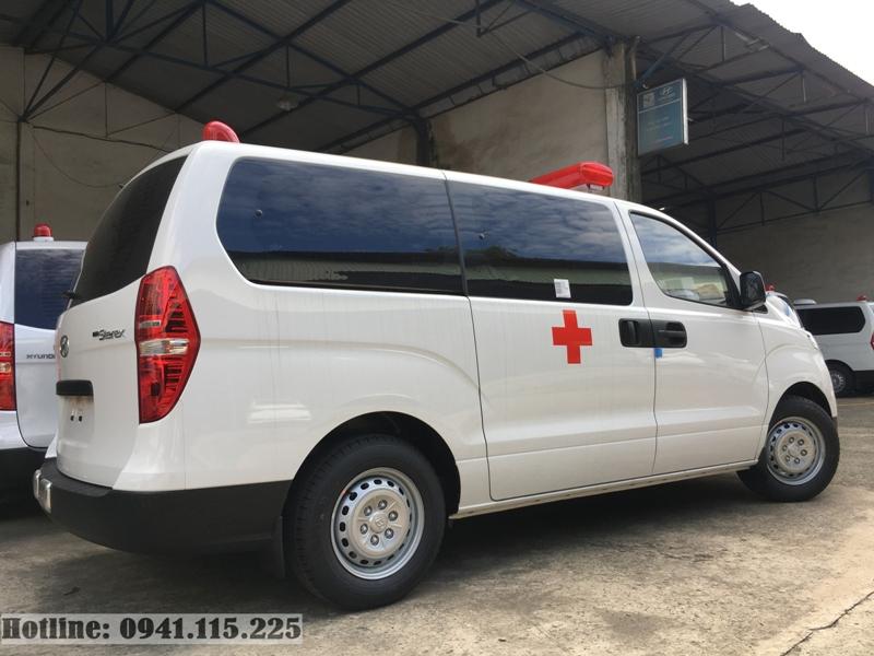 Starex cứu thương máy xăng