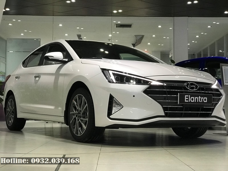 Hyundai Elantra 2.0AT 2019