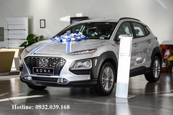 Hyundai Kona 2019 tiêu chuẩn màu ghi bạc