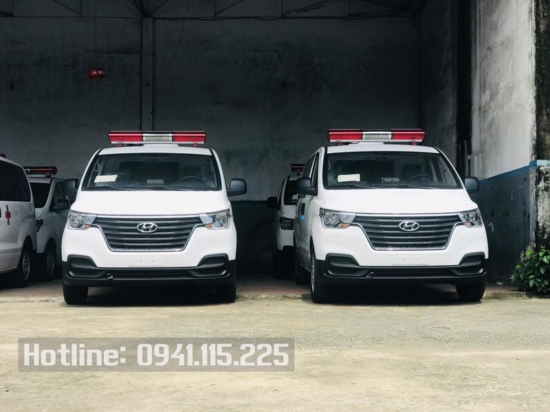 Bán trả gióp xe cứu thương Hyundai Starex 2021